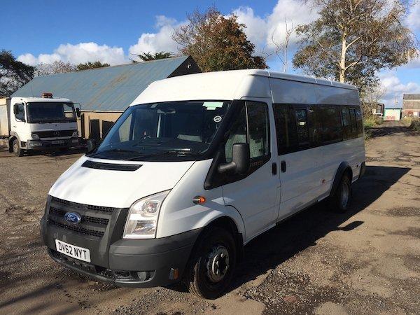 8fe15230dcb667 2013 Ford Transit 17 seater minibus - Grant Commercials Belfast 028 ...